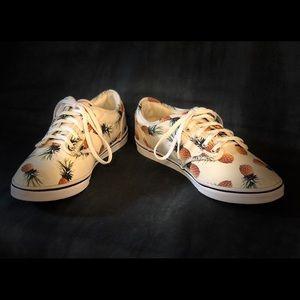 Pineapple Vans Woman's 7 Sneakers - NWOT